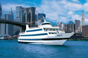 https://www.partner.viator.com/pt/13463/tours/New-York-City/New-York-Dinner-Cruise-with-Buffet/d687-5042NYCSPI