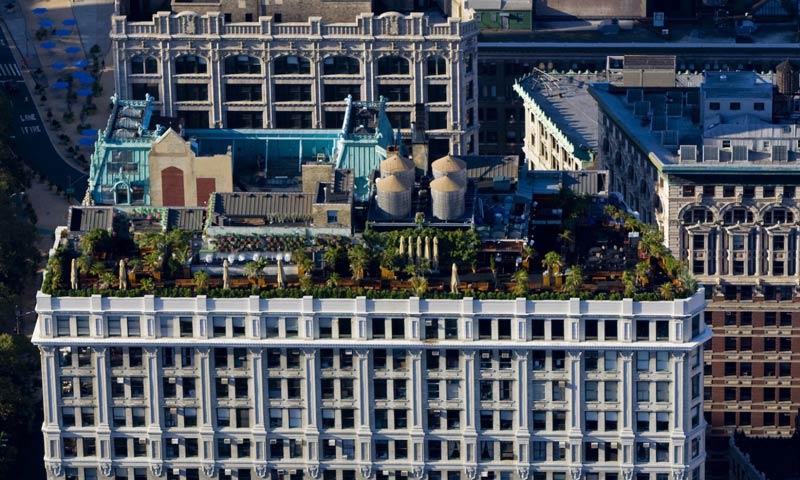 Verde abundante: O 230 Fifth Rooftop-Bar em Midtown