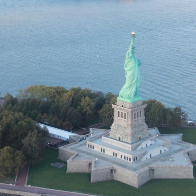 Big Apple Helicopter Tour – Passeio de helicóptero NYC
