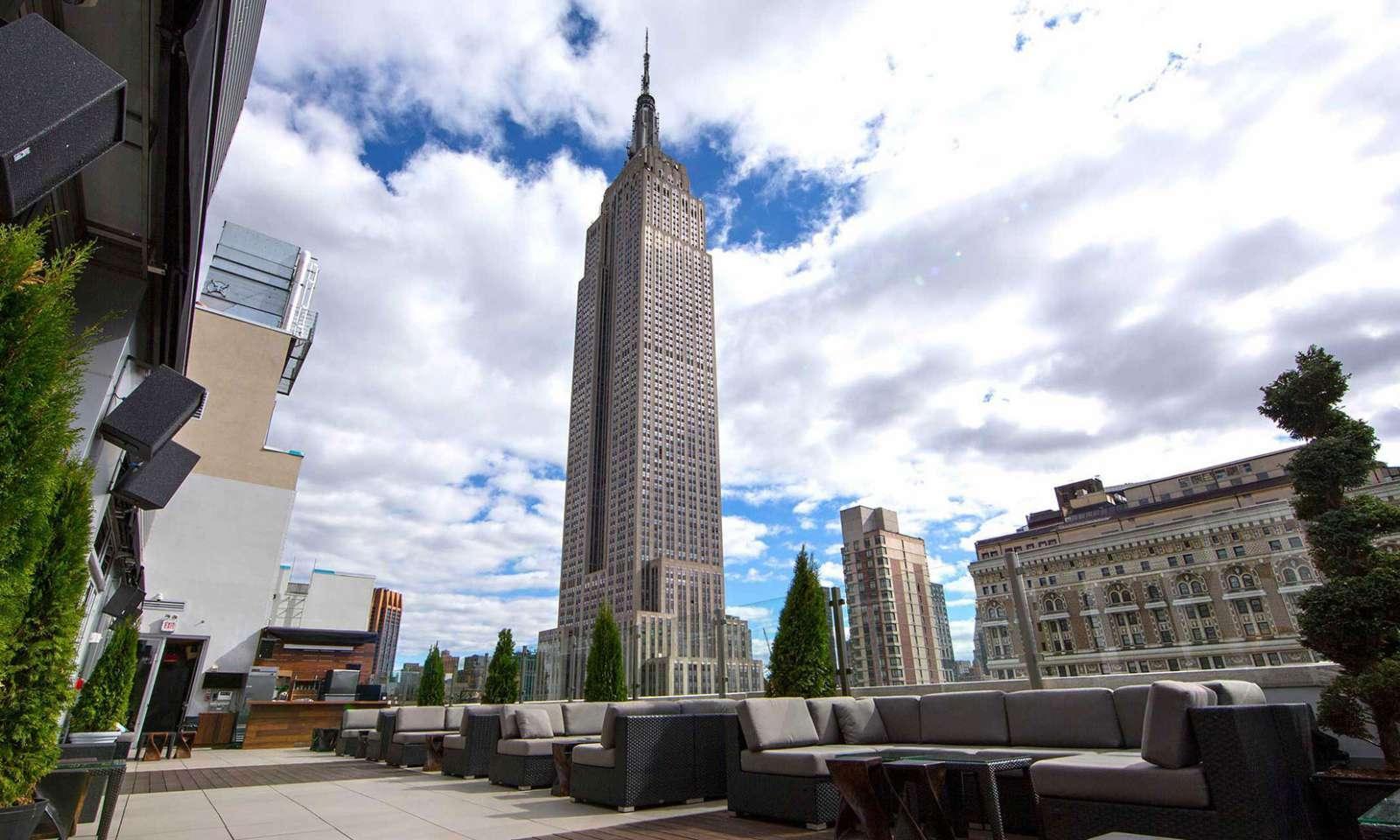 Monarch Rooftop Lounge Voce O Empire State E Uma Bebida