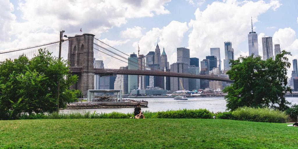 Brooklyn Bridge Park no Brooklyn em Nova York