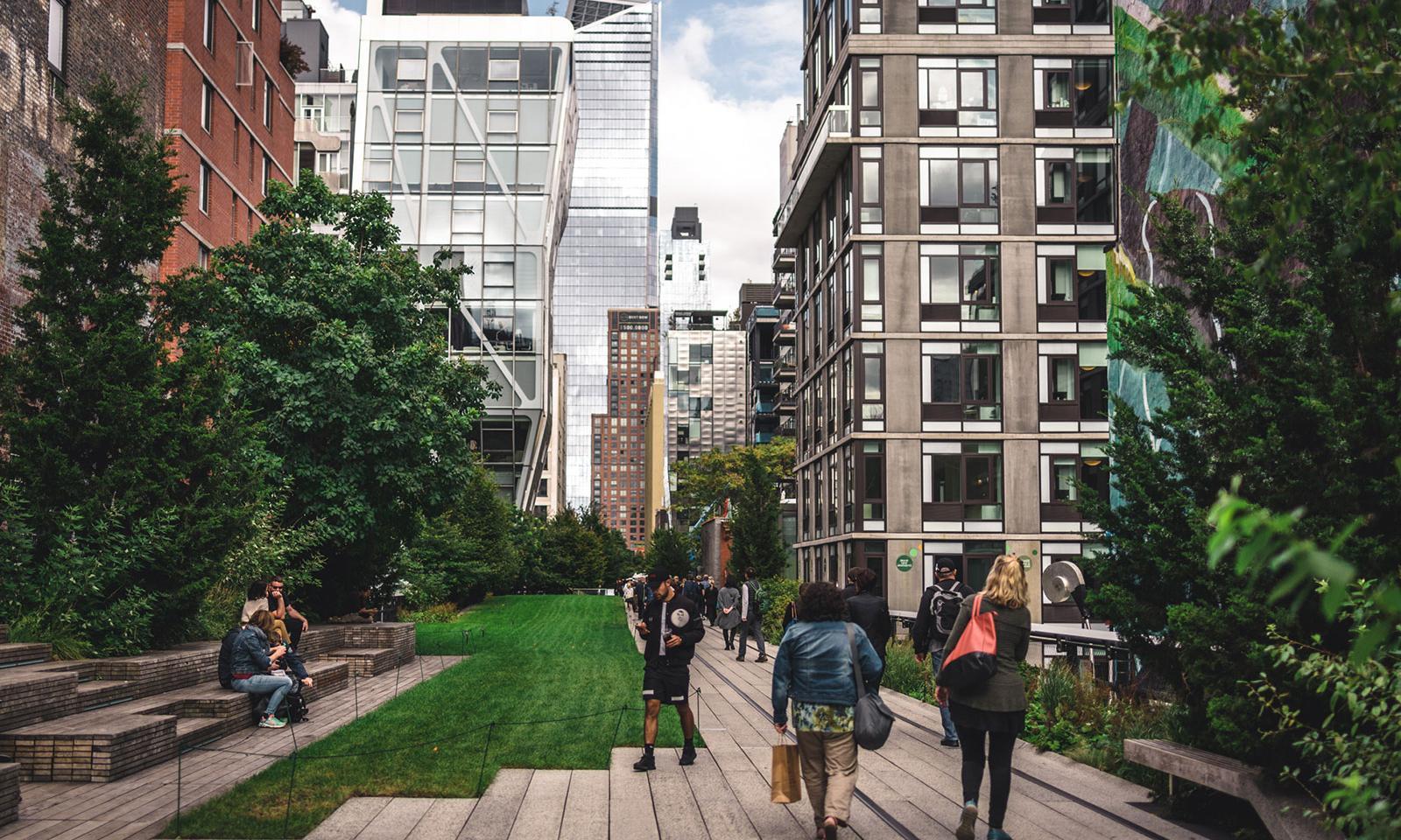 O High Line Park é o parque suspenso de Nova York. Construído sobre antigas  linhas de trens que cortam a cidade daec4100f26
